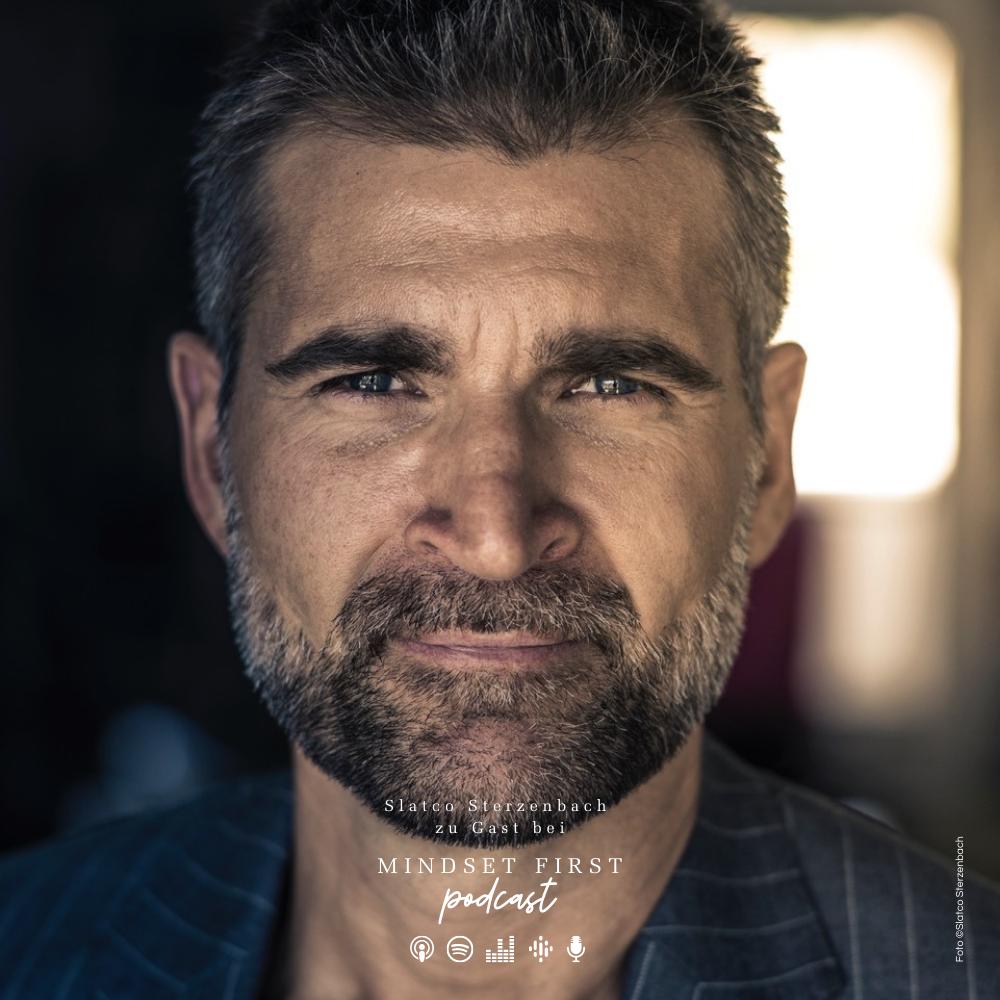 """Slatco Sterzenbach im Gespräch mit Sabine fb Lueder in der Podcastfolge """"Der Weg zu mehr Leichtigkeit & Erfüllung"""""""